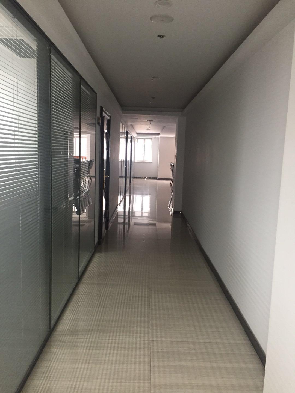 办公室走廊